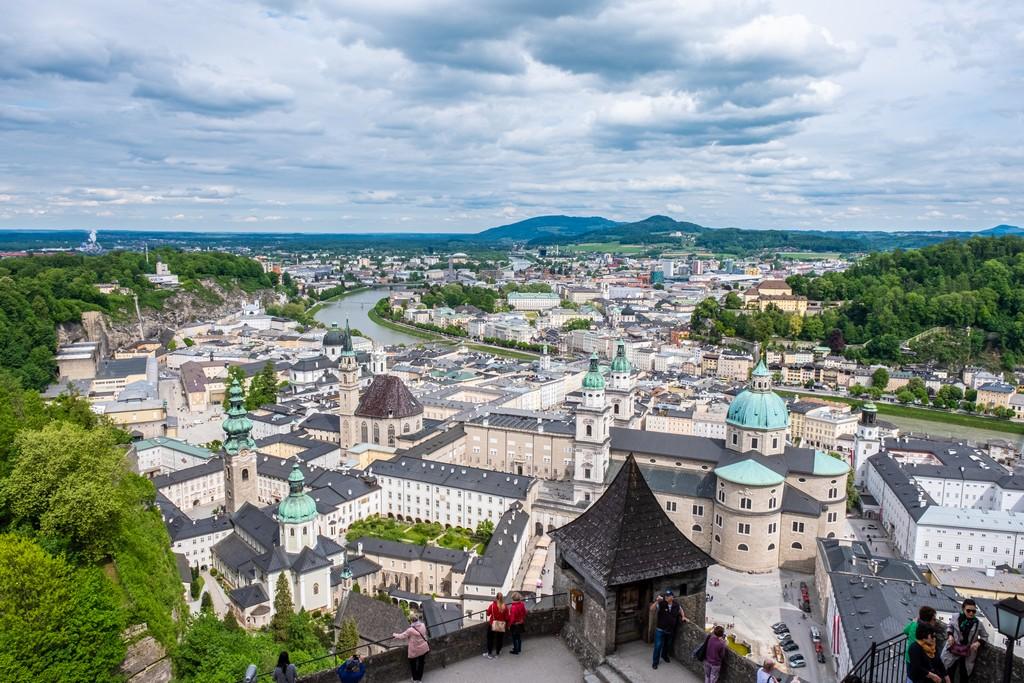 Location di Tutti Insieme Appassionatamente a Salisburgo panorama di Salisburgo dall'alto
