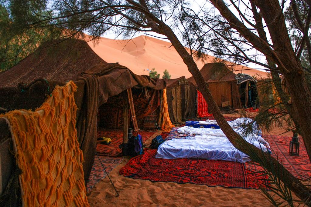 itinerario in Marocco in una settimana tende berbere in accampamento nel deserto