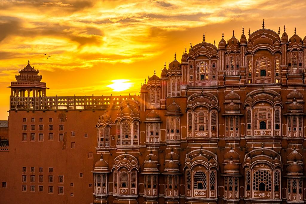 Superare la paura dell'India sole tramonta dietro hawa mahal