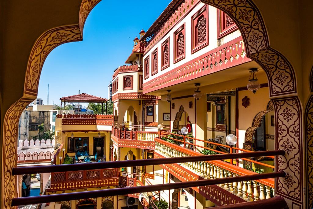 Soggiornare in un heritage hotel vista dell'hotel dal balcone