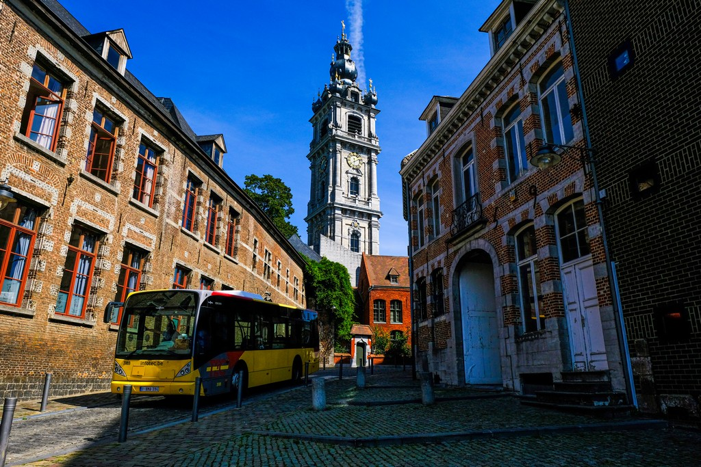 guida a Mons bus in città
