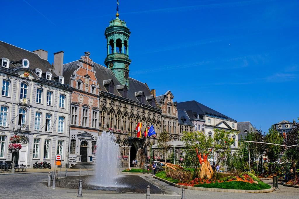 guida a Mons hotel de ville