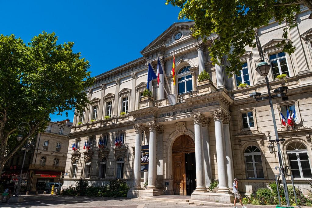 Una giornata ad Avignone hotel de ville