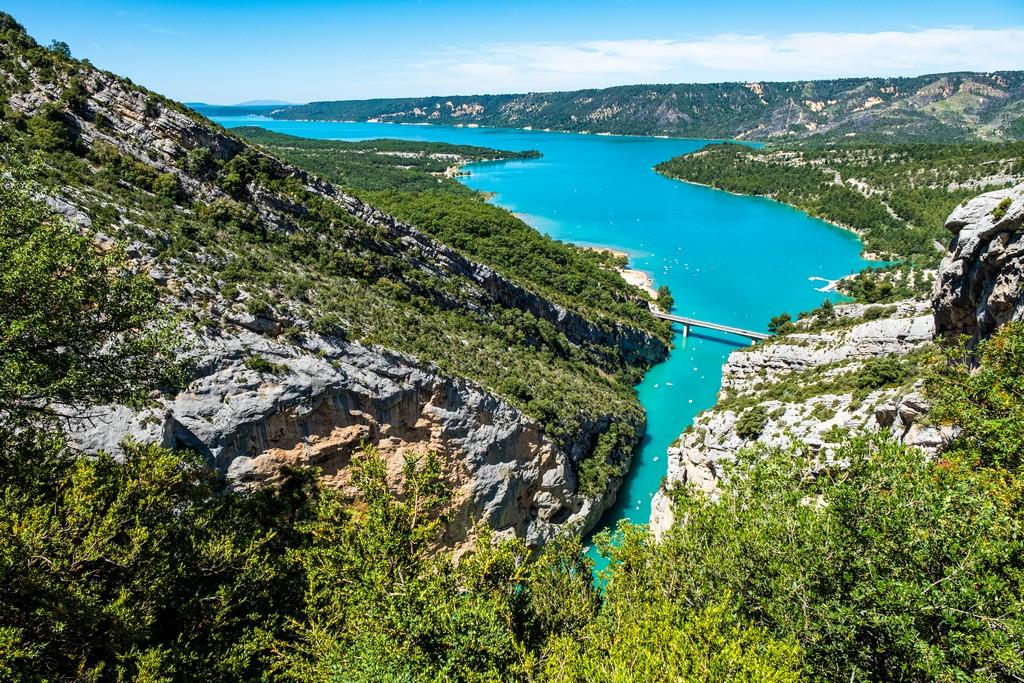 Visita alle Gole del Verdon vista del lago turchese