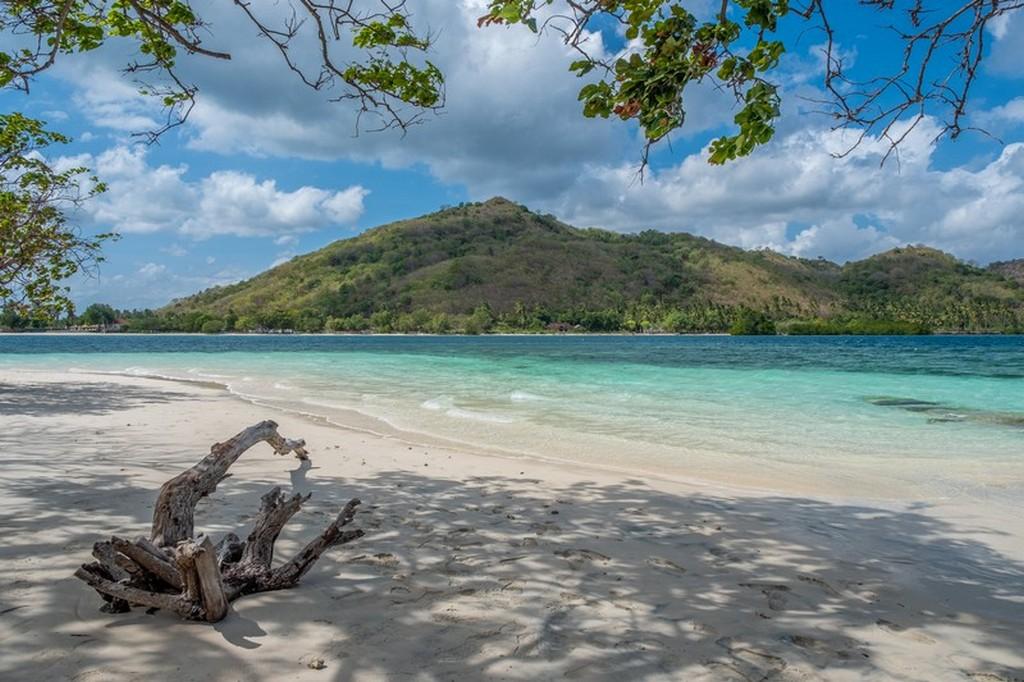 Come visitare le Secret Gili di Lombok spiaggia con sabbia bianca