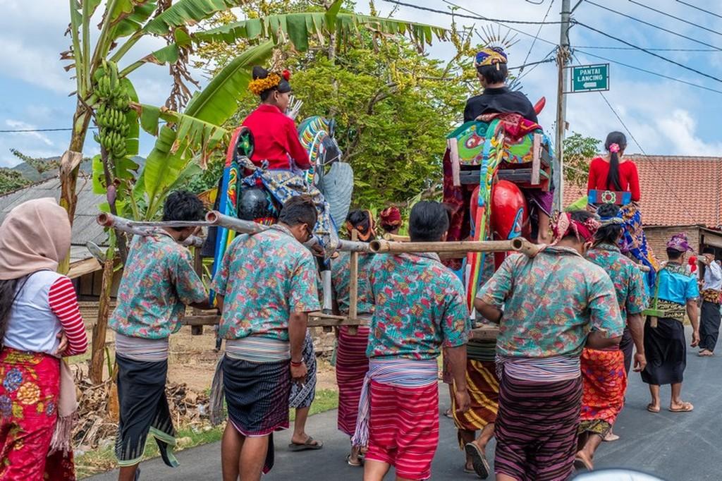 Come visitare Kuta Lombok festa di paese