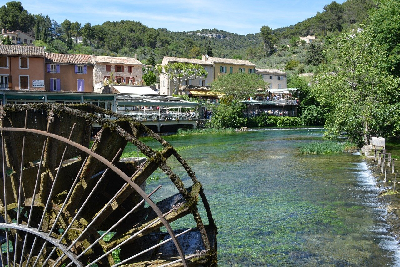 In visita a Fontaine de Vaucluse e le sue sorgenti