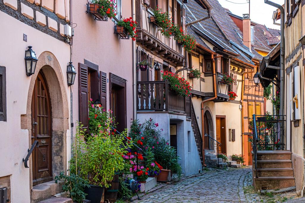 stradine di città medievale